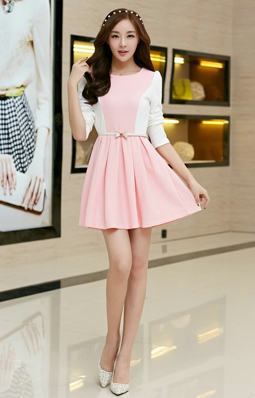 Awesome teens short dresses ideas for graduation outfits 84