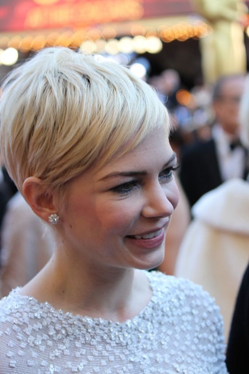 Cool short pixie blonde hairstyle ideas 102
