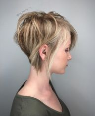 Cool short pixie blonde hairstyle ideas 11