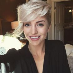 Cool short pixie blonde hairstyle ideas 122