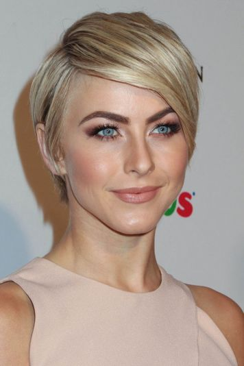 Cool short pixie blonde hairstyle ideas 15