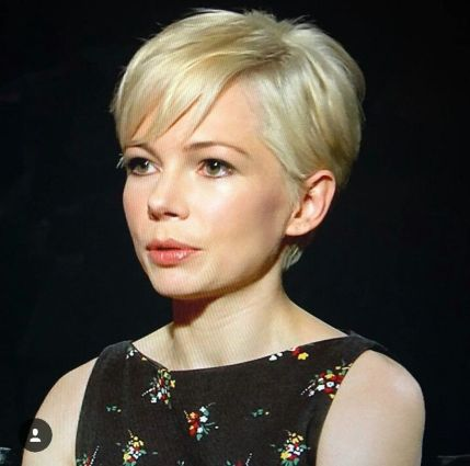 Cool short pixie blonde hairstyle ideas 28