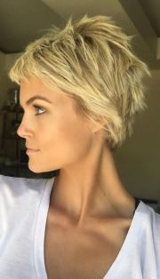 cool short pixie blonde hairstyle