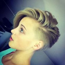 Cool short pixie blonde hairstyle ideas 45