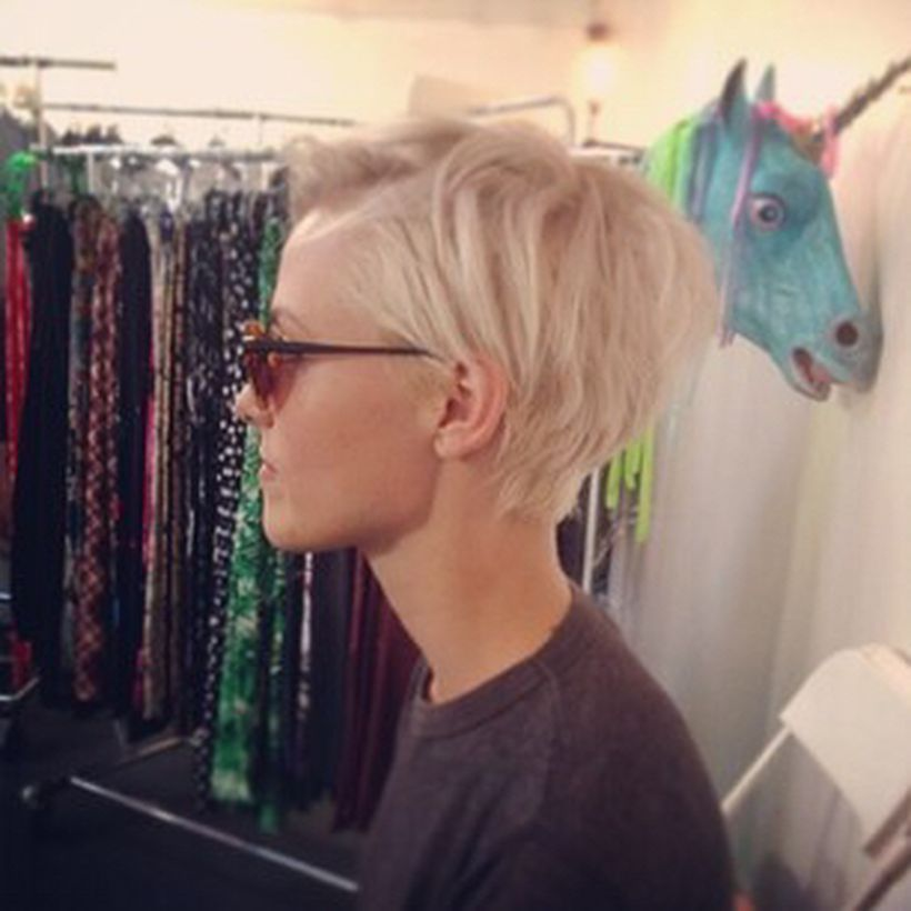 Cool short pixie blonde hairstyle ideas 61