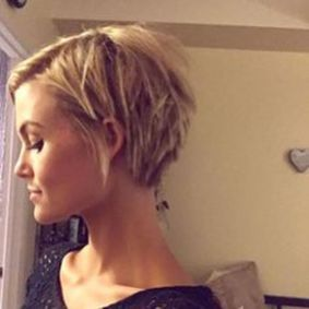 Cool short pixie blonde hairstyle ideas 68
