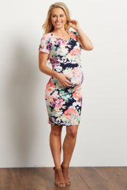 Fashionable maternity outfits ideas for summer and spring 38