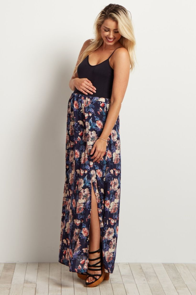 Fashionable maternity outfits ideas for summer and spring 57