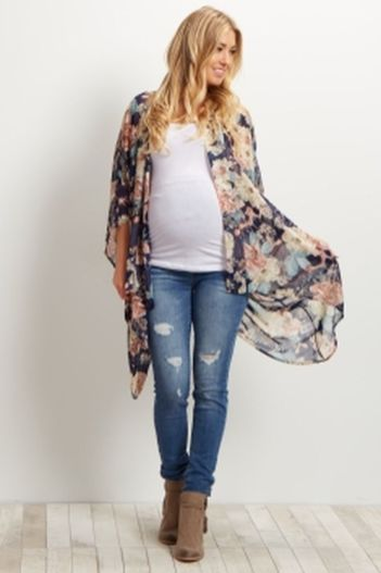 Fashionable maternity outfits ideas for summer and spring 68