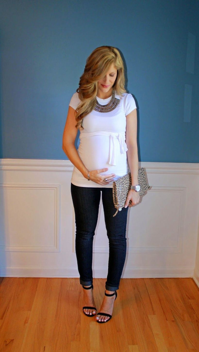 Fashionable maternity outfits ideas for summer and spring 98