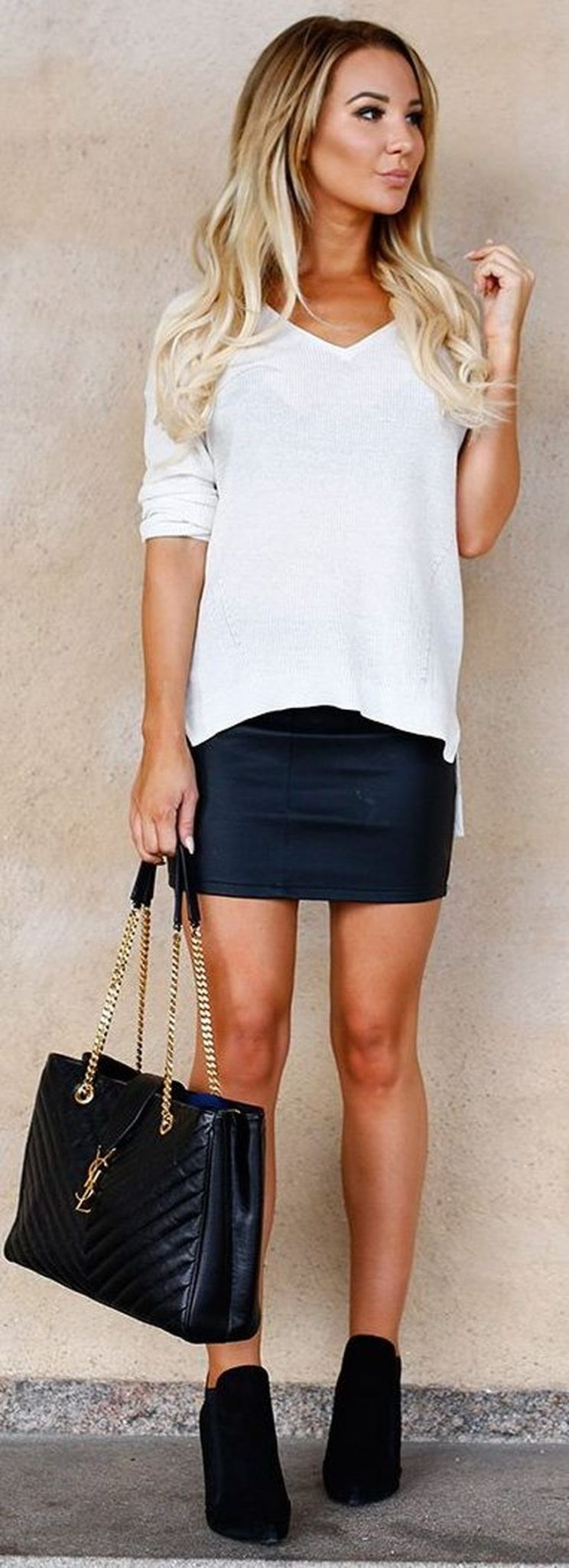 Fashionable skirt outfits ideas that you must try 26