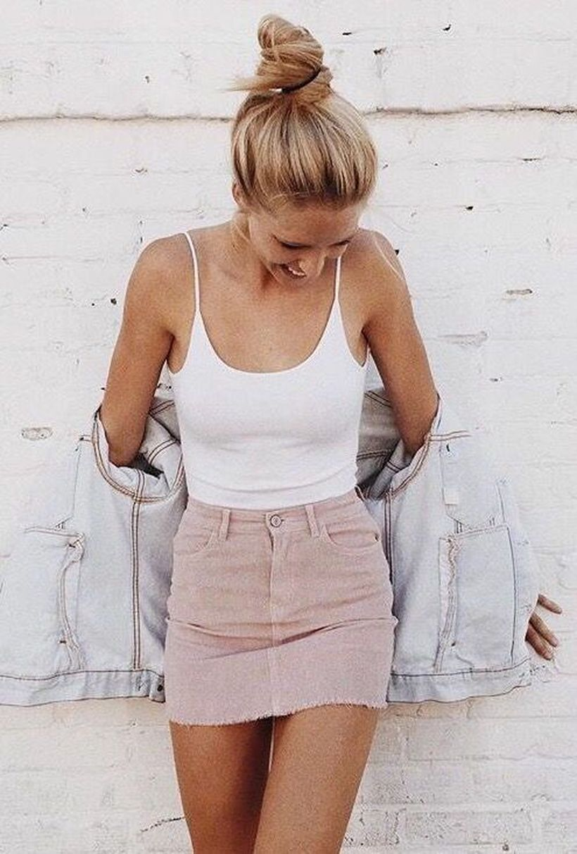 Fashionable skirt outfits ideas that you must try 5