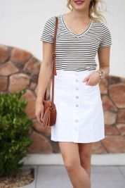 Fashionable white denim skirt outfits ideas 16