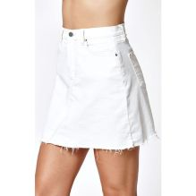 Fashionable white denim skirt outfits ideas 20