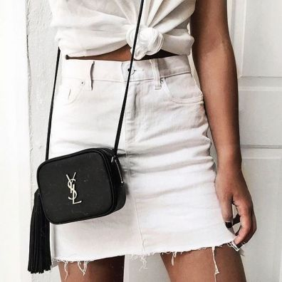 Fashionable white denim skirt outfits ideas 25