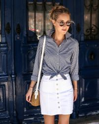Fashionable white denim skirt outfits ideas 8