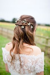 Gorgeous rustic wedding hairstyles ideas 10