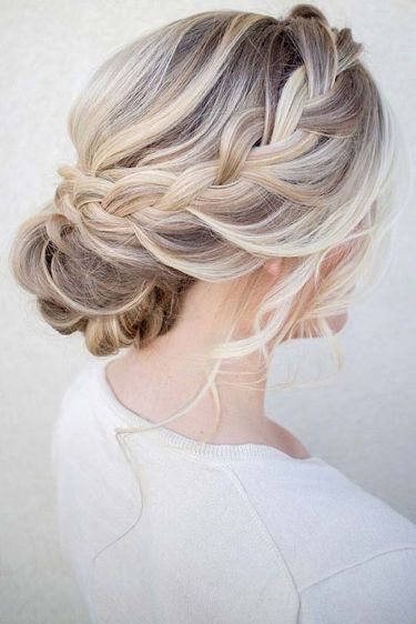 Gorgeous rustic wedding hairstyles ideas 12