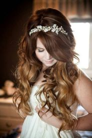 Gorgeous rustic wedding hairstyles ideas 27