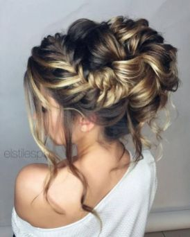 Gorgeous rustic wedding hairstyles ideas 31