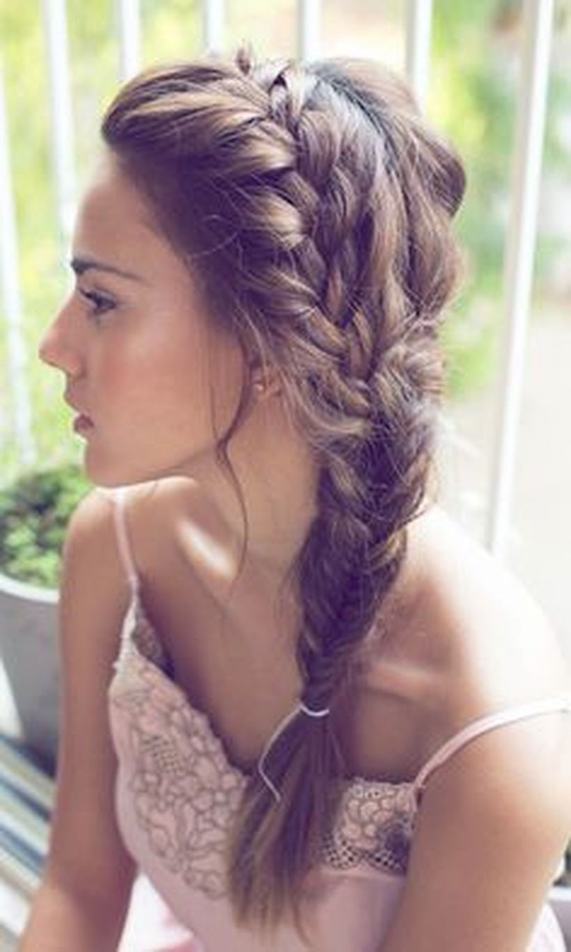 Gorgeous rustic wedding hairstyles ideas 33