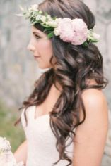 Gorgeous rustic wedding hairstyles ideas 40