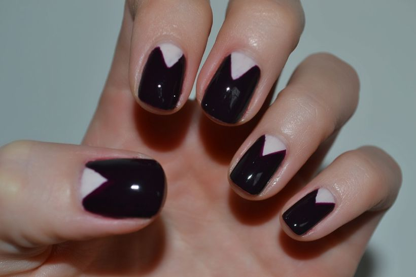 Inspiring half moon nails art to copy 11