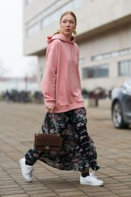 Inspiring simple casual street style outfits ideas 23
