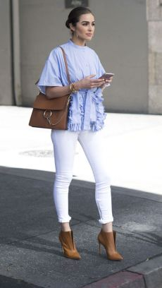 Perfect ways to wear white denim jeans outfits 11