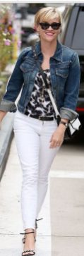 Perfect ways to wear white denim jeans outfits 16