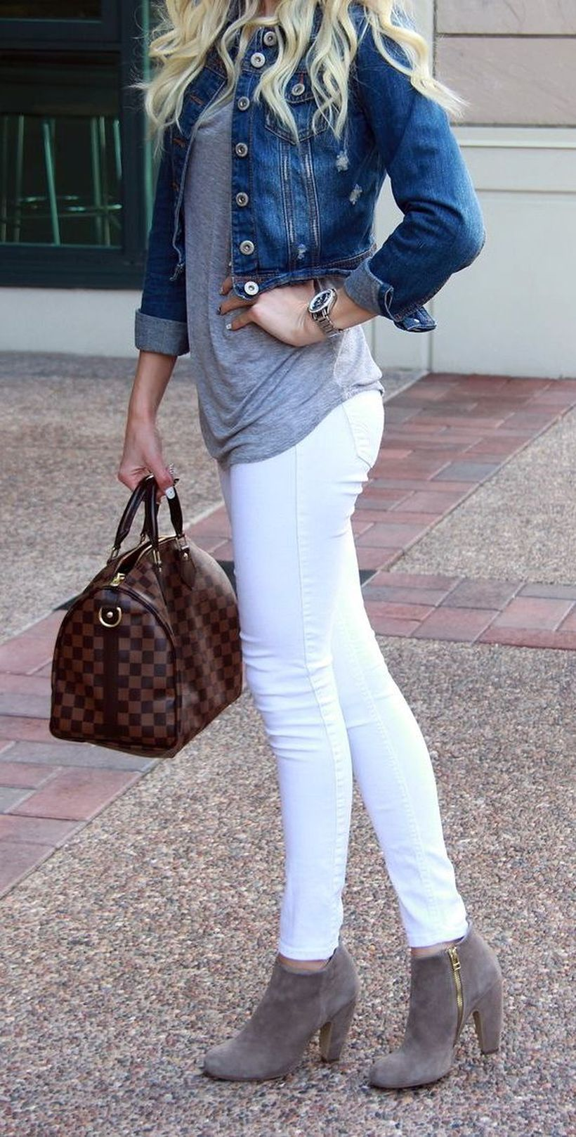 Perfect ways to wear white denim jeans outfits 2