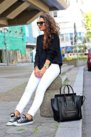 Perfect ways to wear white denim jeans outfits 24