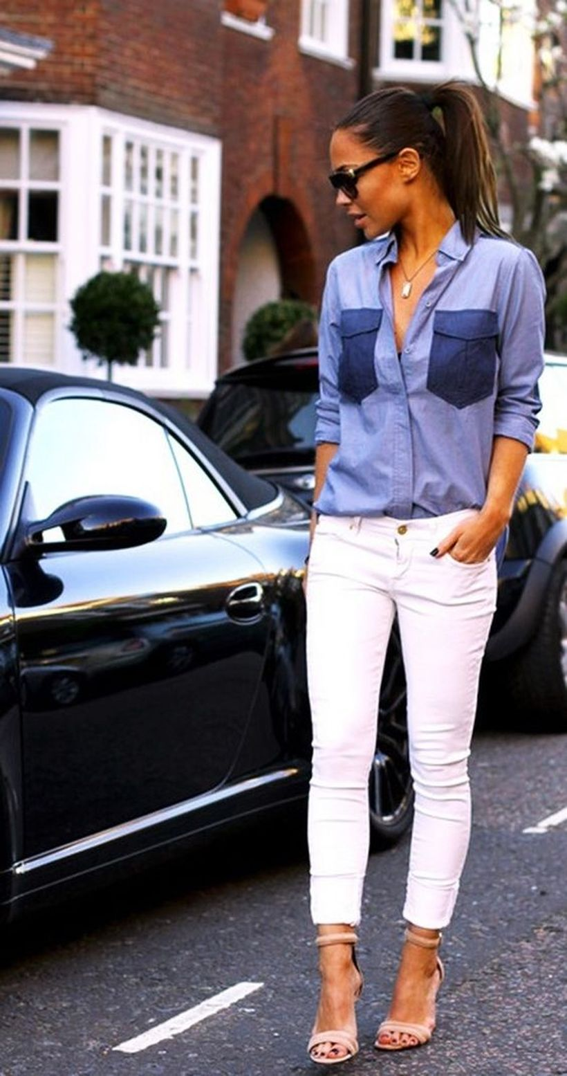 Perfect ways to wear white denim jeans outfits 25
