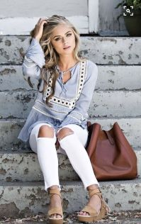 Perfect ways to wear white denim jeans outfits 7