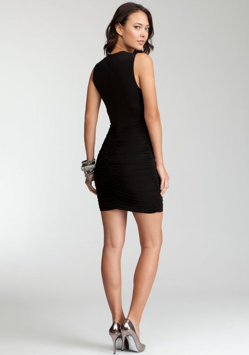 Stunning black short dresses outfits for party ideas 20