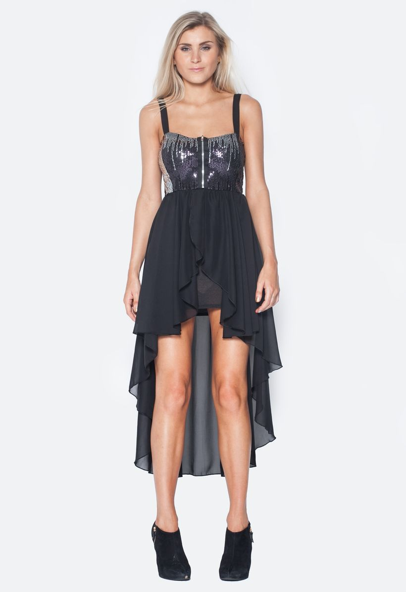 Stunning black short dresses outfits for party ideas 37