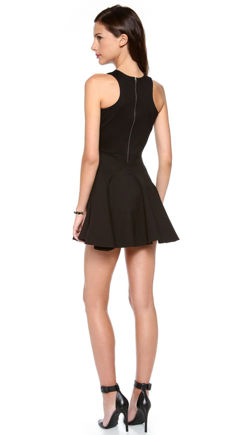 Stunning black short dresses outfits for party ideas 76