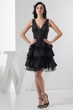 Stunning black short dresses outfits for party ideas 97