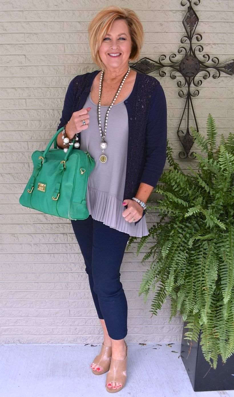 Fashionable over 50 fall outfits ideas 29