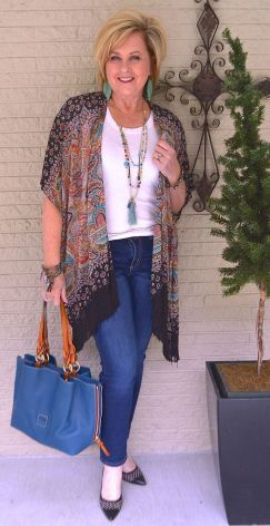 Fashionable over 50 fall outfits ideas 46