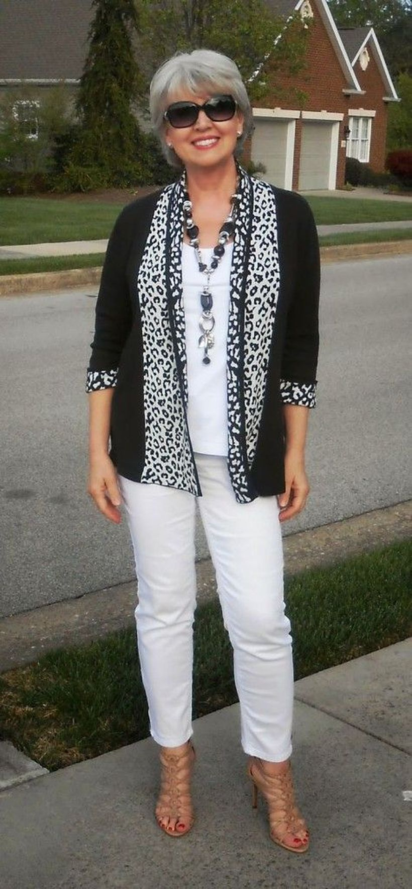 Fashionable over 50 fall outfits ideas 61