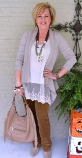 Fashionable over 50 fall outfits ideas 81