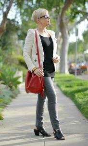 Fashionable over 50 fall outfits ideas 95