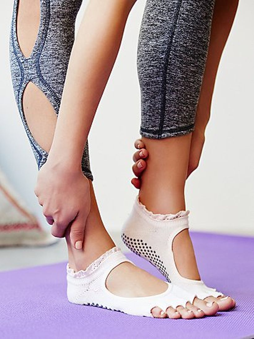 Most comfortable yoga shoes that must you have 13