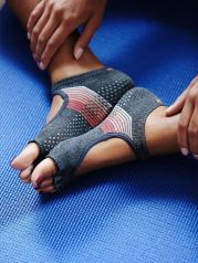 Most comfortable yoga shoes that must you have 14