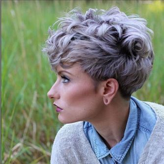Short messy pixie haircut hairstyle ideas 14