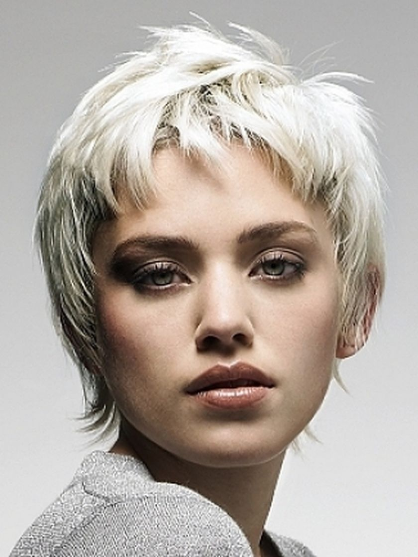 Short messy pixie haircut hairstyle ideas 18