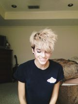Short messy pixie haircut hairstyle ideas 19