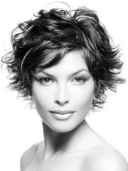 short messy pixie haircut hairstyle