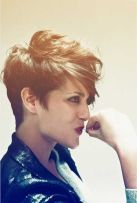 Short messy pixie haircut hairstyle ideas 69